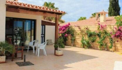 Beautiful villa In La Caleta